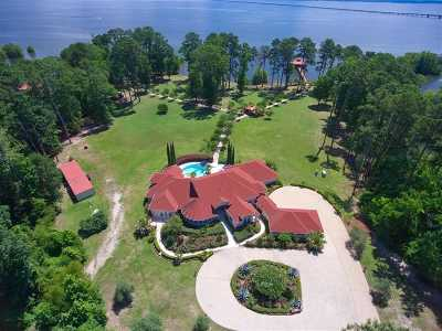 Burkeville, Hemphill Single Family Home For Sale: 555 Lakeshore Dr