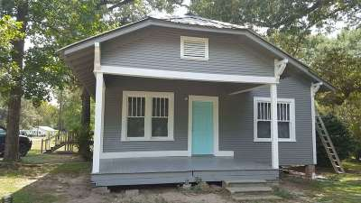 Newton County Single Family Home For Sale: 620 Court St