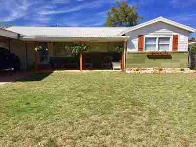 Seminole TX Single Family Home For Sale: $155,000