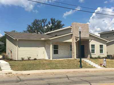 Waco Condo/Townhouse For Sale: 407 Bosque Boulevard #206