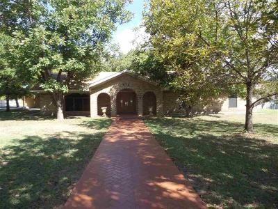 West Single Family Home For Sale: 612 W Highland Drive