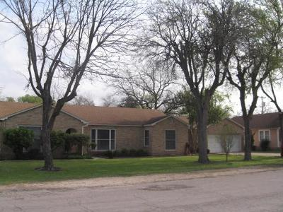West Single Family Home For Sale: 208 W Elm