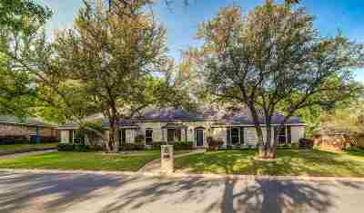 Woodway Single Family Home For Sale: 9611 Old Farm Road