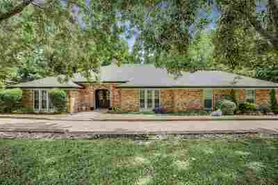 Waco Single Family Home For Sale: 901 Woodland West Drive