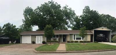 Clifton Single Family Home For Sale: 808 S Ave J