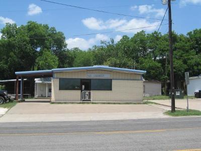 West Commercial For Sale: 504 W Oak Street