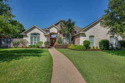 McGregor Single Family Home Under Cont W/Contg: 512 Stone Creek Ranch Road