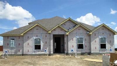 Hewitt Single Family Home For Sale: 216 Big Creek Loop