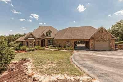 Valley Mills Single Family Home For Sale: 888 Rivercrest Road