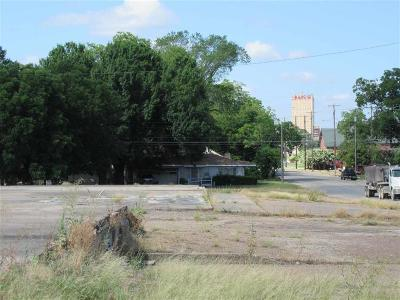 Waco Commercial Under Contract: Taylor