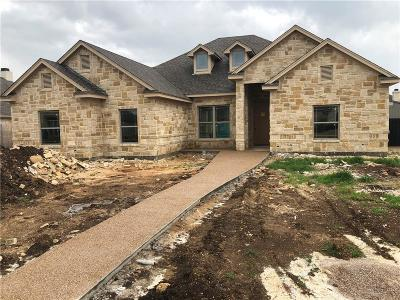 McGregor Single Family Home Under Contract: 306 Desert Sky Drive
