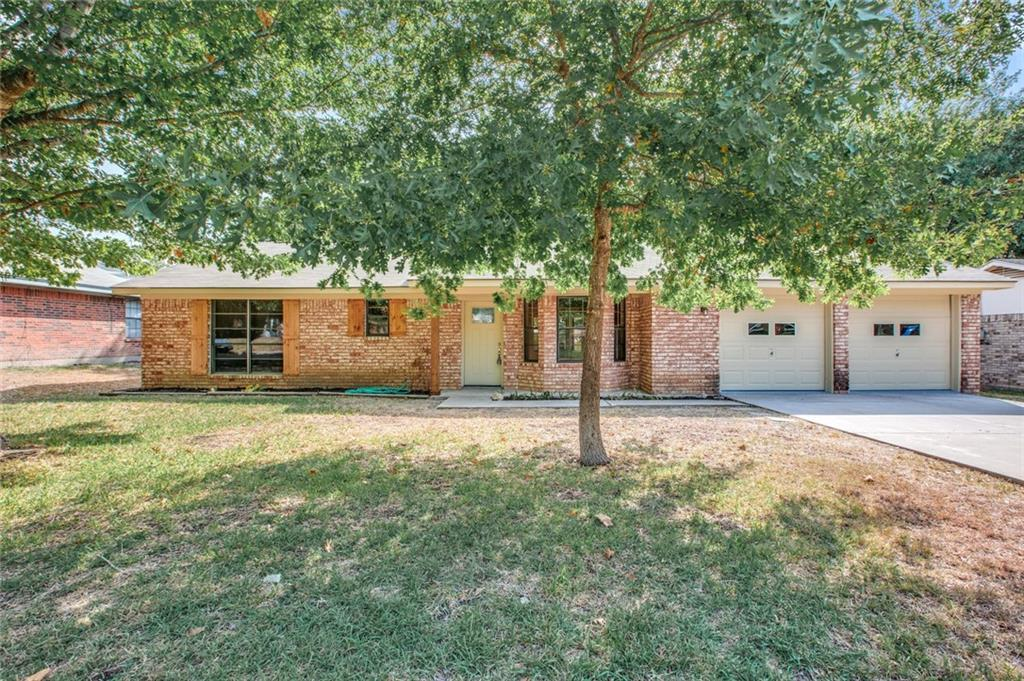 3 bed / 2 baths Home in Hewitt for $159,900