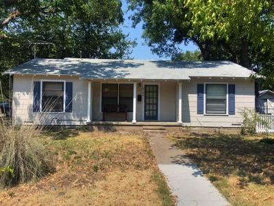 West Single Family Home For Sale: 610 S Davis Street