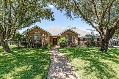 McGregor Single Family Home For Sale: 731 Wheatland Drive
