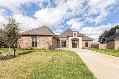 Waco Single Family Home For Sale: 17 North Shore Circle