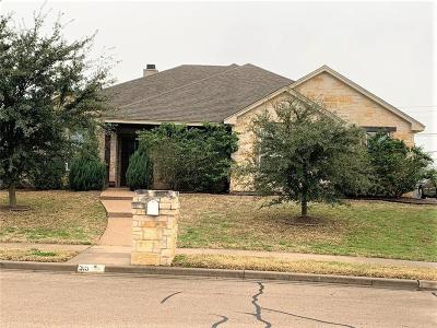 Woodway Single Family Home For Sale: 315 Canterbury Drive