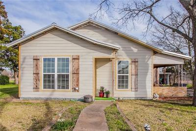West Single Family Home For Sale: 806 N Reagan Street