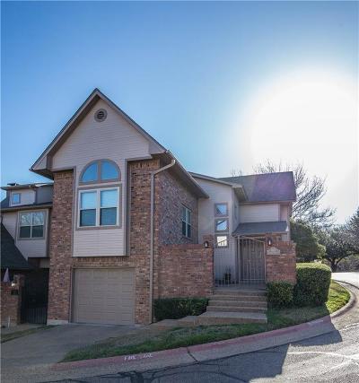 Waco Condo/Townhouse For Sale: 105 Pleasant Grove Lane