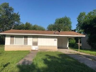 Marlin Single Family Home Under Contract: 715 Bryden Street