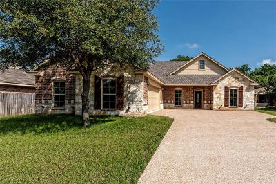 McGregor Single Family Home For Sale: 105 Red Oak
