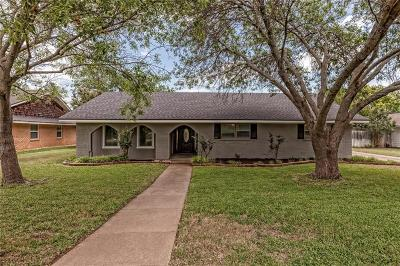Woodway Single Family Home For Sale: 1155 Knotty Oaks Drive