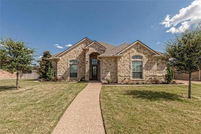 Hewitt Single Family Home For Sale: 104 Emmalyn Drive