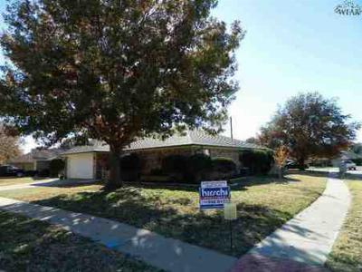 Wichita Falls TX Single Family Home Sale Pending: $124,900