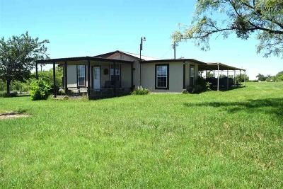 Holliday Single Family Home Active W/Option Contract: 1643 S Lake Road