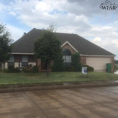 Burkburnett Single Family Home For Sale: 1104 Prestige Drive