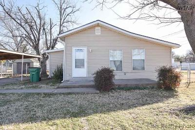 Single Family Home For Sale: 205 S Colorado Street