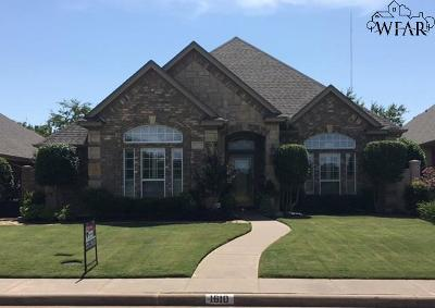 Wichita County Single Family Home Active W/Option Contract: 1610 Tanglewood Drive