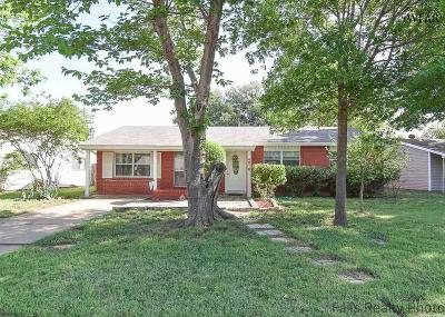Single Family Home Sold: 4618 Tradewinds Road