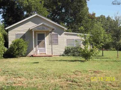 Burkburnett Single Family Home For Sale: 607 E 2nd Street