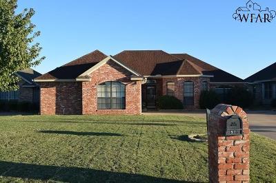 Iowa Park Single Family Home For Sale: 508 E Texas Avenue