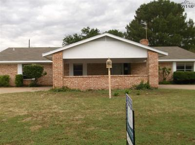 Burkburnett Single Family Home For Sale: 1066 Jan Lee Drive