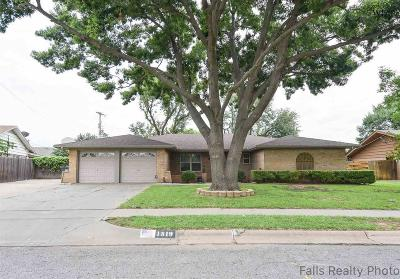 Single Family Home Sold: 1519 Celia Drive