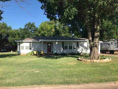 Burkburnett Single Family Home For Sale: 138 Rose Street