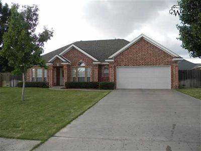 Wichita Falls Single Family Home For Sale: 2 St Andrews Court