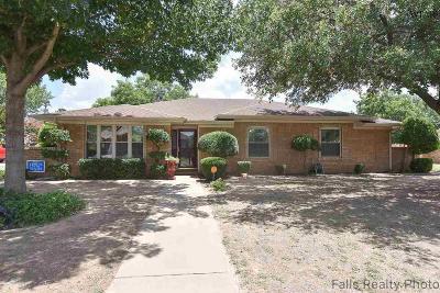 Burkburnett Single Family Home For Sale: 1407 Cardinal Lane