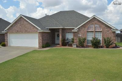 Burkburnett Single Family Home For Sale: 1120 Regency Drive