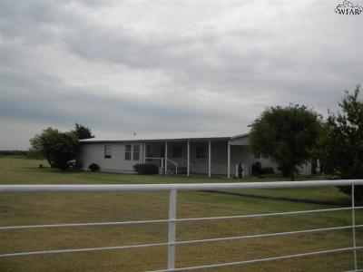 Burkburnett Single Family Home For Sale: 1455 Harris Road
