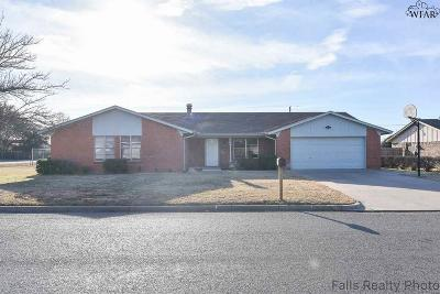 Burkburnett Single Family Home For Sale: 1001 Pawhuska Lane