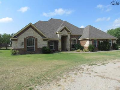 Wichita Falls Single Family Home Active W/Option Contract: 1611 Kinta Trail