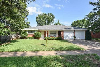 Wichita Falls Single Family Home Active W/Option Contract: 4604 Dehaven Drive