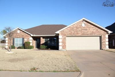 Burkburnett Single Family Home For Sale: 1125 Regency Drive