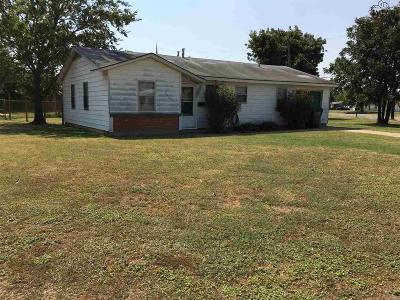 Wichita Falls Single Family Home For Sale: 1401 E Cortez Drive