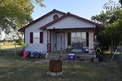 Iowa Park Single Family Home For Sale: 411 E Aldine Street