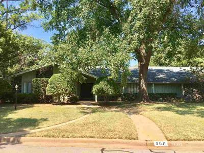 Burkburnett Single Family Home For Sale: 900 Tejas Drive