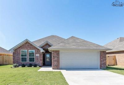 Wichita Falls Single Family Home For Sale: 5009 Olivia Lane