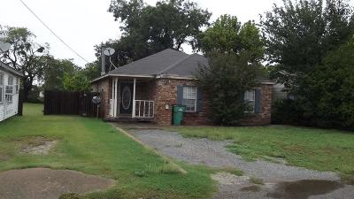 Burkburnett Single Family Home Active W/Option Contract: 405 Buckner Street